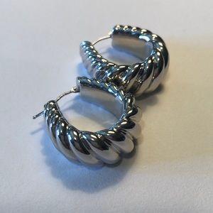 Jewelry - Sterling silver twist earrings